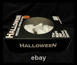 Michael Myers Halloween 1978 Mask & Collectors Box / Rare PREORDER