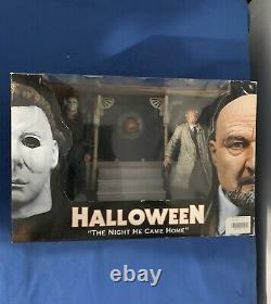 NECA Halloween The Night He Came Home Michael Myers & Dr. Loomis Figures RARE
