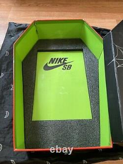 Nike SB Dunk Low Night of Mischief Halloween Special Box Size 9 F&F Rare
